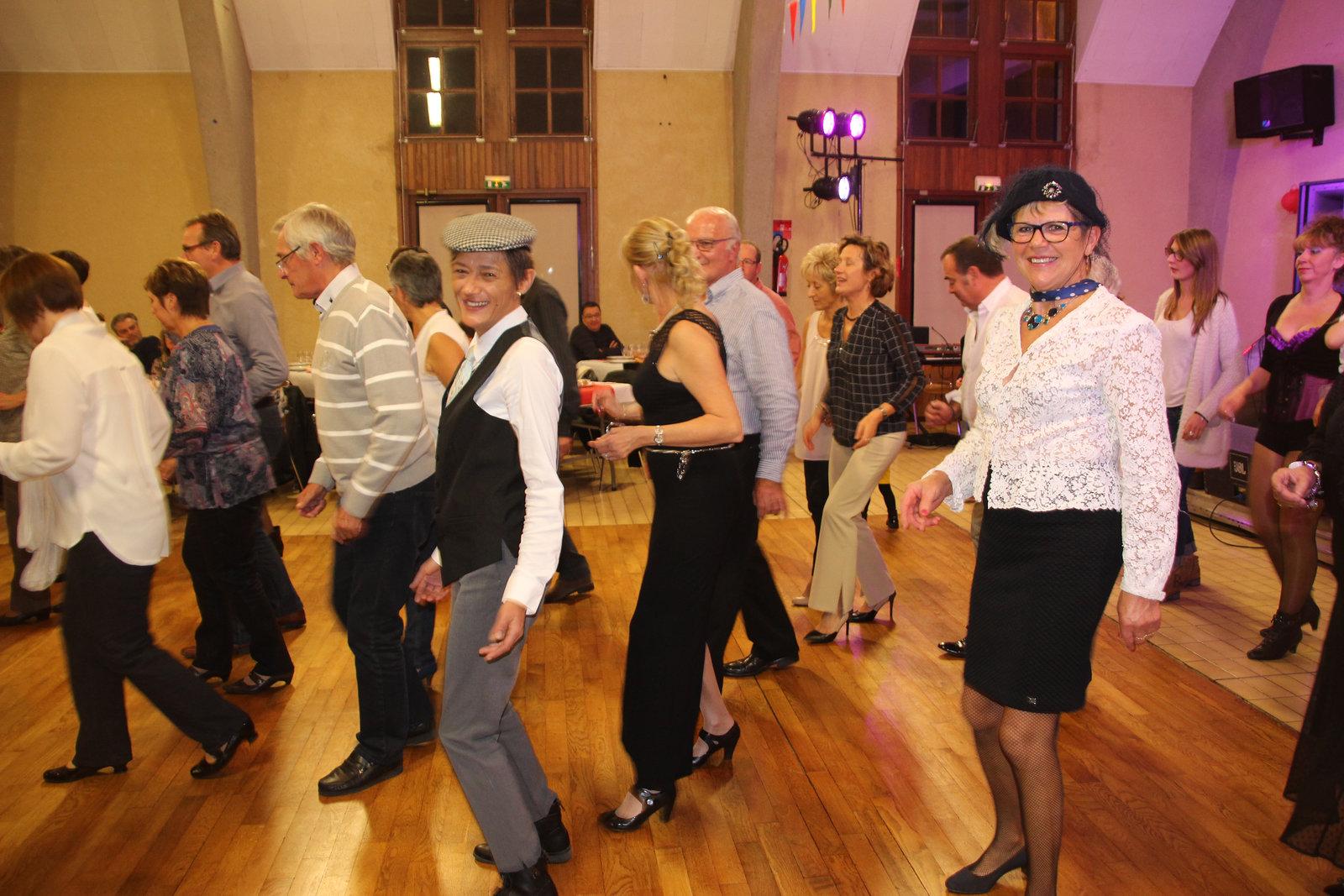 Hélène danse le Madison !