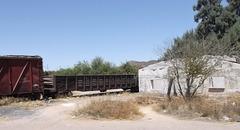 Convoi et ruine / Ruin and train