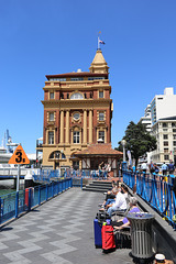 1T0A0798 Auckland harbor & his Ferry Building