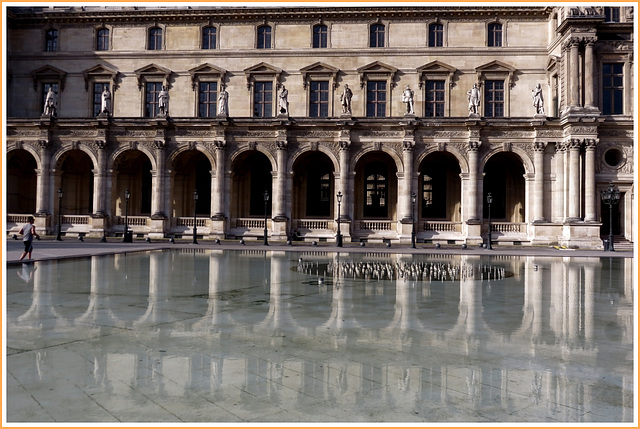 Cour intérieure du musée du Louvre