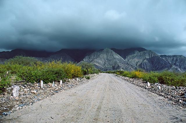 """approaching """"Ruinas de Quilmes"""""""