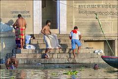 Salle de bain à ciel ouvert à Varanasi
