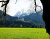Schloss Neuschwanstein zu Füßen des Säuling. ©UdoSm