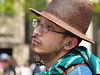 le jeune homme au chapeau