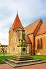 Schwaan, Kirche und Denkmal