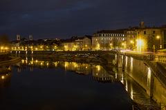 BESANCON: Le quai de Strasbourg, la iour de la Pelotte de nuit.