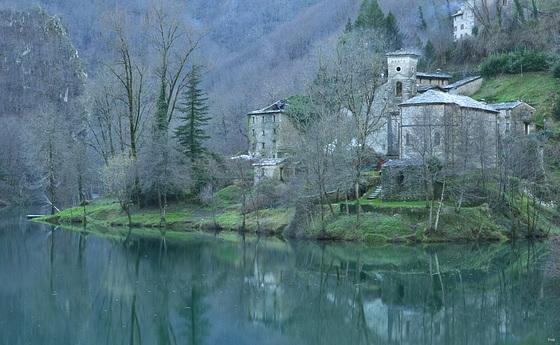 Isola Santa