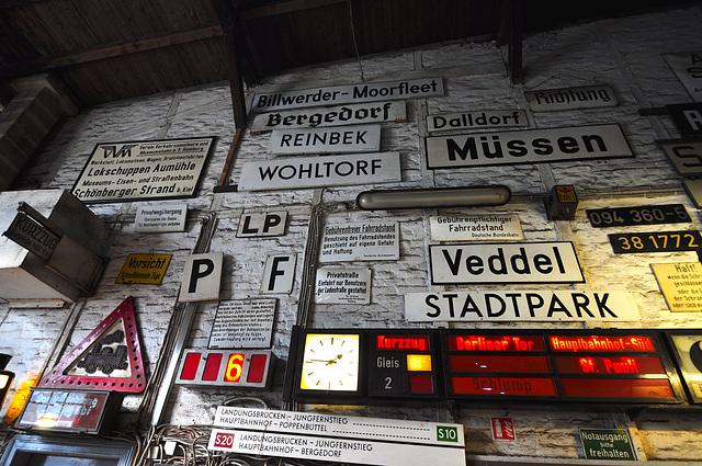 Eisenbahnmuseum Lokschuppen Aumühle 2015 – Signs