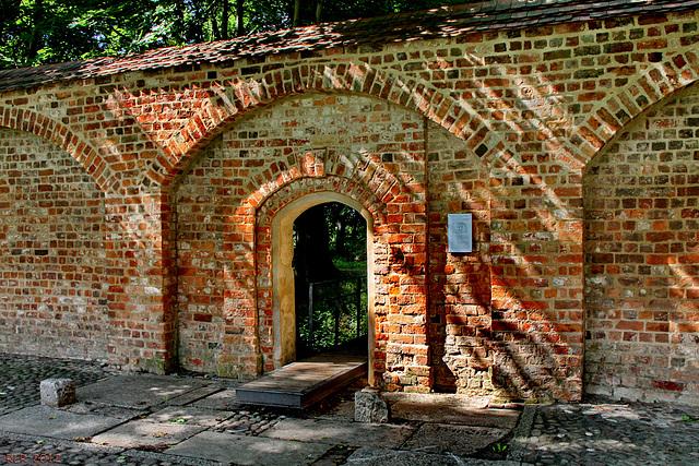 Neuruppin, Stadtmauer mit Prinzenpforte