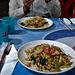 Nos assiettes et moi sans tête / Our meals with me without head