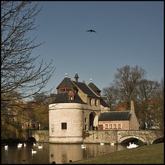 Water-gatehouse