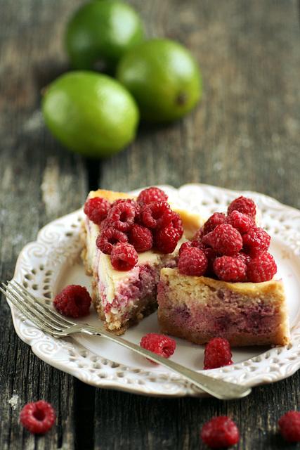 Vaarika-laimi juustukook / Rasperry and lime cheesecake