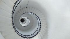 La escalera de caracol es el ascenso progresivo en busca de la virtud