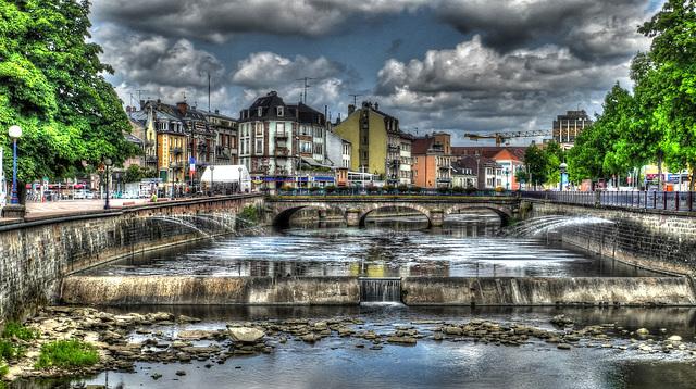 BELFORT; La place Corbis, le pont Carnot, la sècheresse qui arrive.