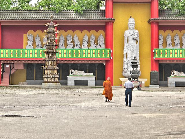 Ten Thousand Buddhas Stupa, Niagara Falls, Ontario
