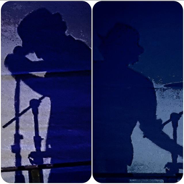 In concert. Marla Glen ...  ♫ ♪ ♪ ♫