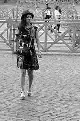 Une photographe soucieuse.