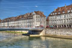 BESANCON: Le quai Vauban, le pont Battant.01