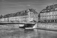 BESANCON: Le quai Vauban, le pont Battant.02
