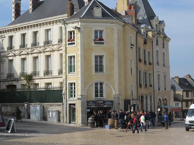 Laval : place de la Trémoille.