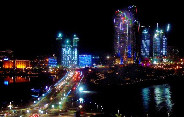 Abu Dhabi : notturno dal Marina Mall - (688)