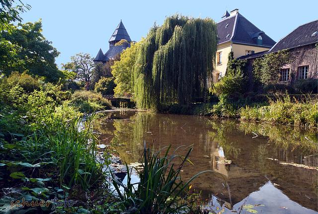 Krefeld, Linner Burggraben