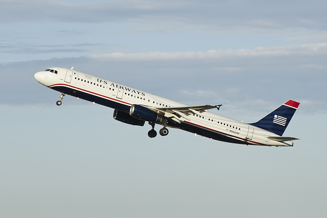 U.S. Airways Airbus A321 N562UW