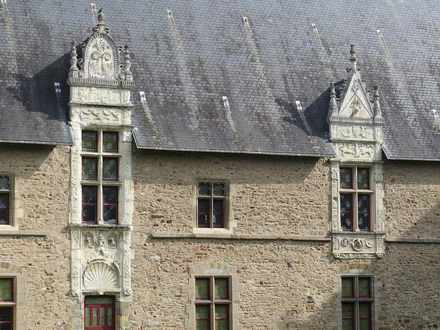 Le Vieux Château, 2.