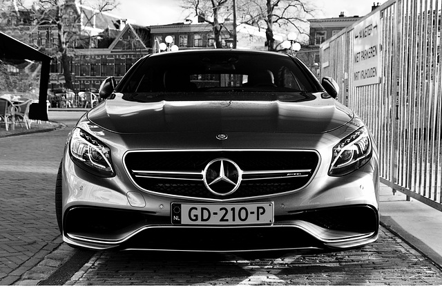 2015 Mercedes-Benz S 63 AMG 4Matic