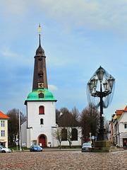 Glückstadt, Kirche und Marktkandelaber