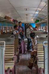 Eisenbahnfahrt von Kalaw nach Shwe Nyaung (© Buelipix)