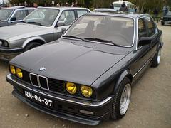 BMW 316 (1984).