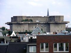 Ausblick von der Dachterasse auf den Flakbunker Heiligengeistfeld