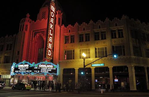 Fox Oakland (0975)