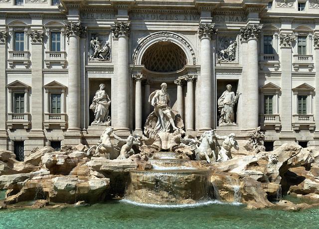 Visite de Rome - ses incontournables - la fontaine de Trevi