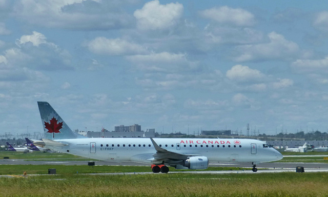 C-FHKP at Toronto - 24 June 2017
