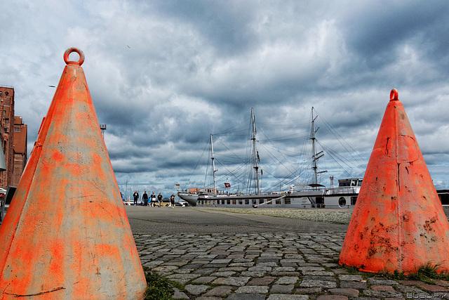 Stralsund - Hafenstrasse (© Buelipix)
