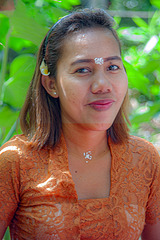 Mayang at the pegawesi ceremony