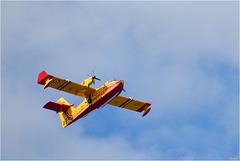 Les Anges Gardiens 1 ( ravitaillement en eau au lac de St Cassien et retour vers l'incendie en passant au-dessus de chez moi ! )