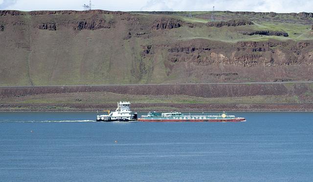 Columbia Gorge barge (#0353)