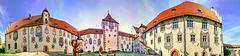 Der U - förmige Hof des Hohen Schlosses zum Panorama 'aufgeklappt'.  ©UdoSm