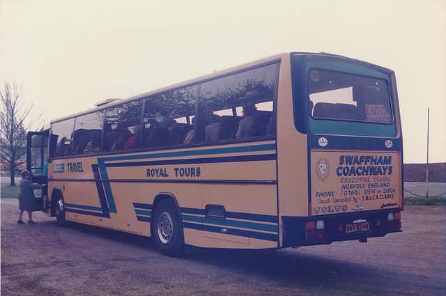 Swaffham Coachways WNV 824W at Barton Mills - 5 May 1985