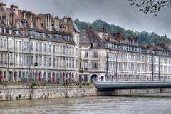 BESANCON: Le quai de Strasbourg, le pont Battant.01