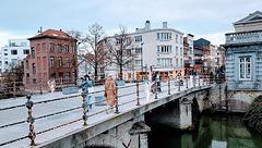 HFF ~ the Fountain Bridge over the Dijle flows lively through Mechelen