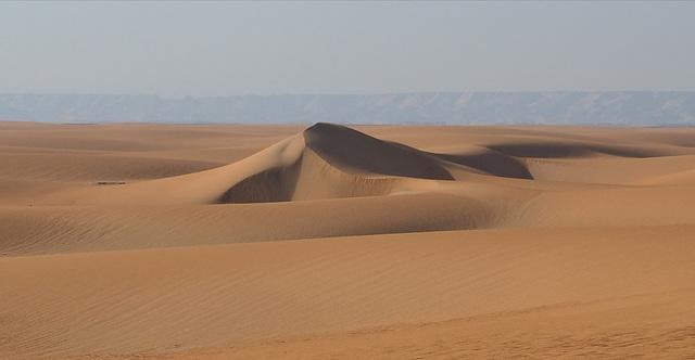 Sandwüste bei der Oase Dakhla