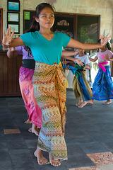 Dancing lesson in Pemuteran