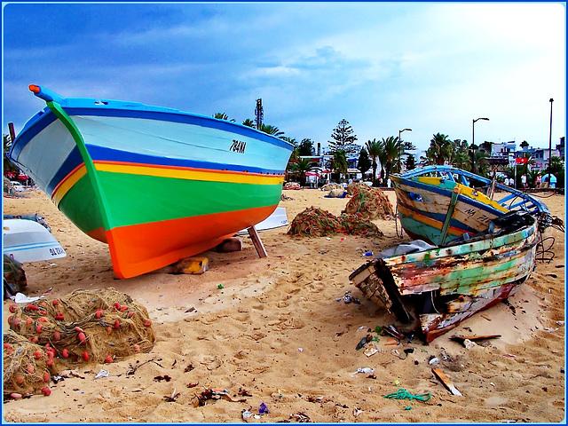 Hammamet : anche per le barche esiste la 'terza età' !