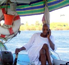 Navegando por el Nilo al poblado Nubio
