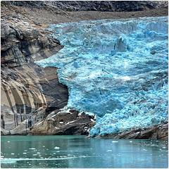 Groenlandia : 2500 km di ghiacciaio sfociano in mare - (897)