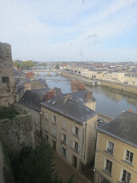 Laval : vue sur la Mayenne.
